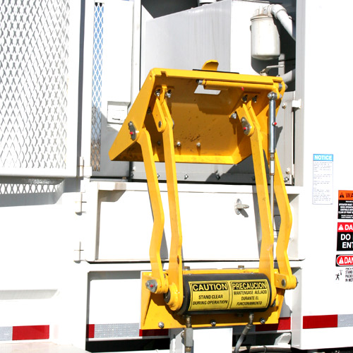 The New Way Mamba Satellite Side Loader can be customized to provide automation for cart tippers.